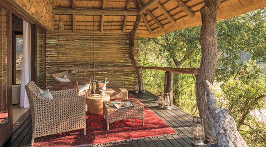 suite private deck lounge
