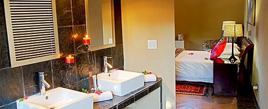 Luxury Safari Lodge Bookings En-suite Chalet Nkorho Bush Lodge Sabi Sands Private Game Reserve Kruger National Park Accommodation Booking